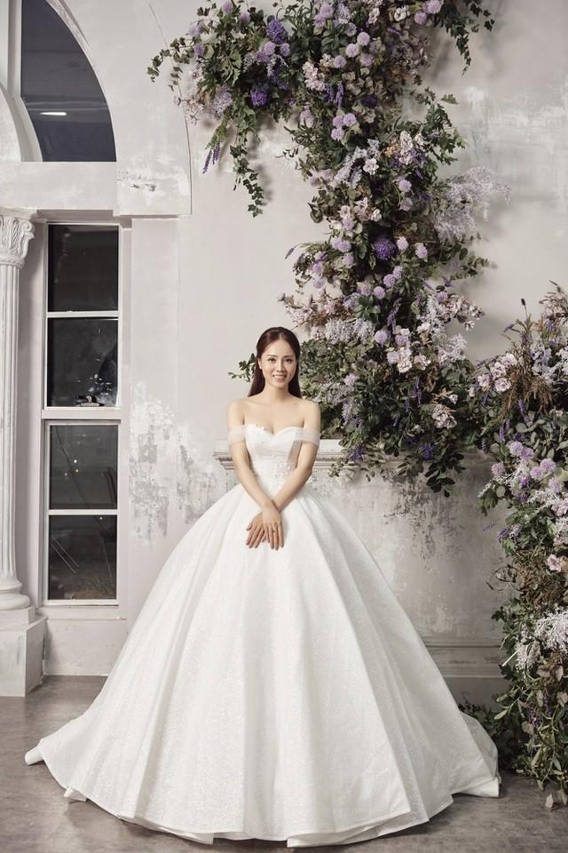 Á hậu Thuỵ Vân hứa chọn váy cưới cho bạn gái NSND Công Lý ngày lên xe hoa - 10