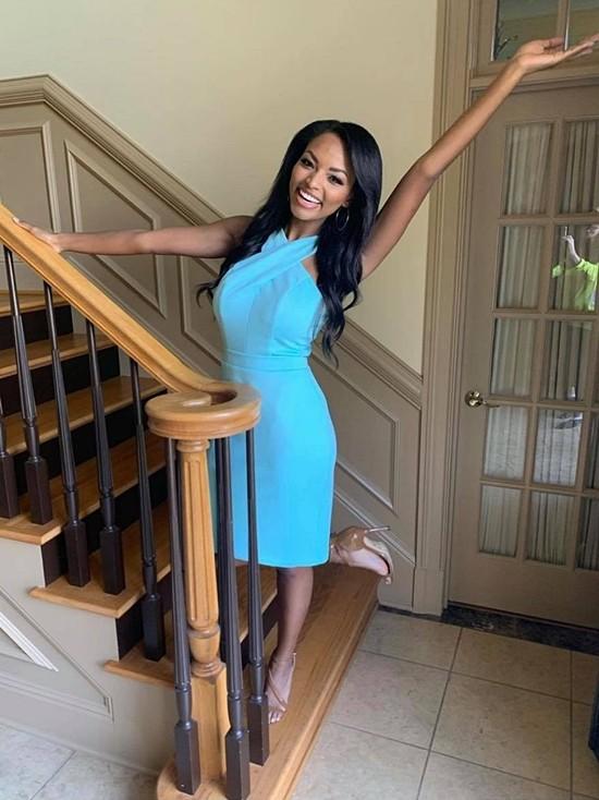 Người đẹp cũng tốt nghiệp đại học Mississippi, chuyên ngành Truyền thông marketing.