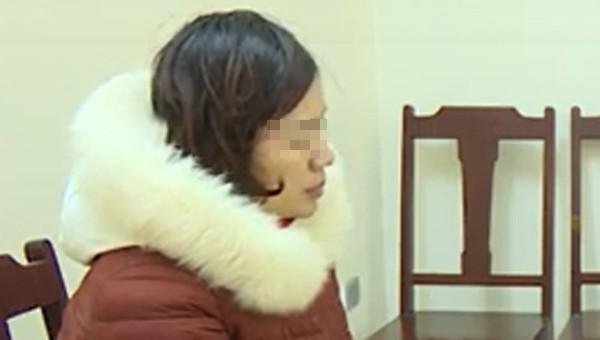 Người đàn ông bị người phụ nữ và nhóm thanh niên bắt giữ làm 'con tin'