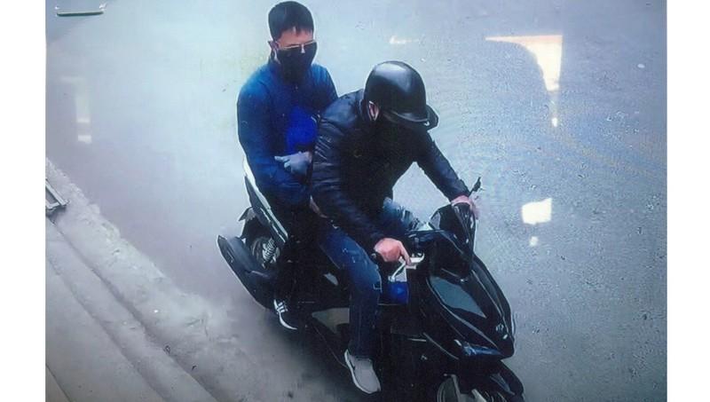 Truy tìm nghi can trộm 300 triệu đồng của người đàn ông đi đường