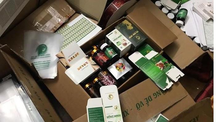 Các loại sản phẩm công ty Hồng Minh phân phối ra thị trường, trong đó một số loại đã được thổi phồng công dụng. Ảnh: Công an TP Hà Nội.