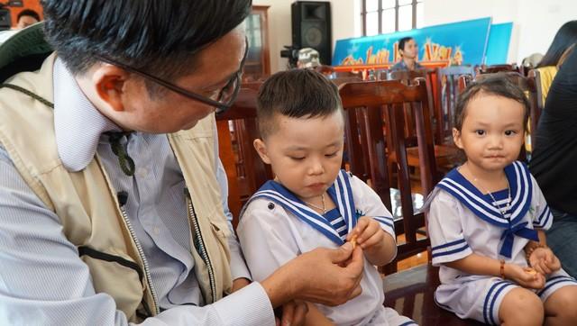 Trẻ con tung tăng vui Tết ở đảo Trường Sa - Ảnh 4.