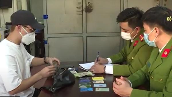 Công an Bắc Ninh trả lại hàng chục triệu đồng cho người đánh rơi