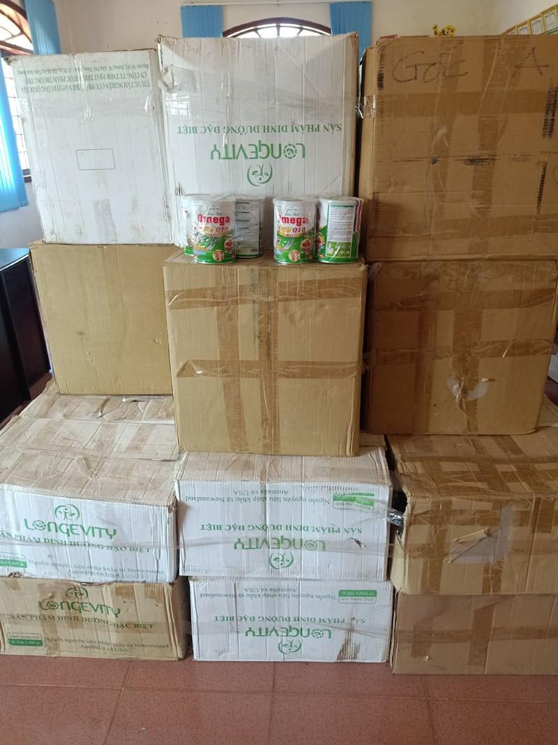 Nhẫn tâm lừa bán hơn 5.000 hộp sữa bột giả cho người già