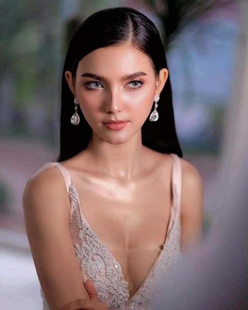 Chiêm ngưỡng vẻ đẹp lai đầy quyến rũ của Hoa hậu Lào đẹp nhất lịch sử - Ảnh 5.