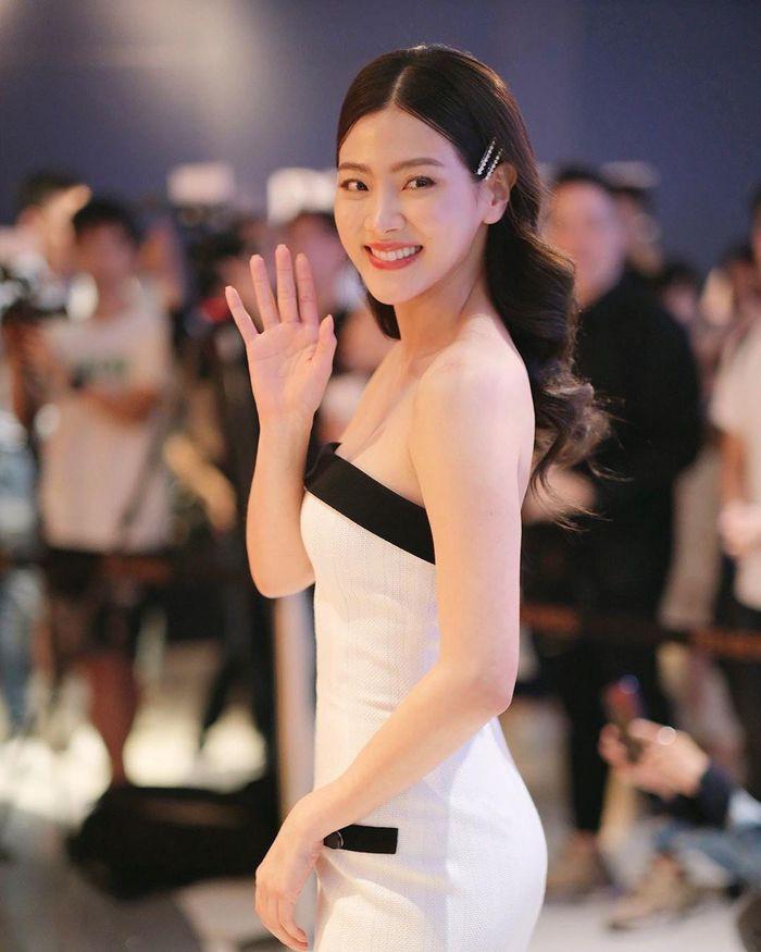 """Vẻ đẹp """"vạn người mê"""" của nữ minh tinh quyến rũ bậc nhất màn ảnh Thái Lan - Ảnh 3."""