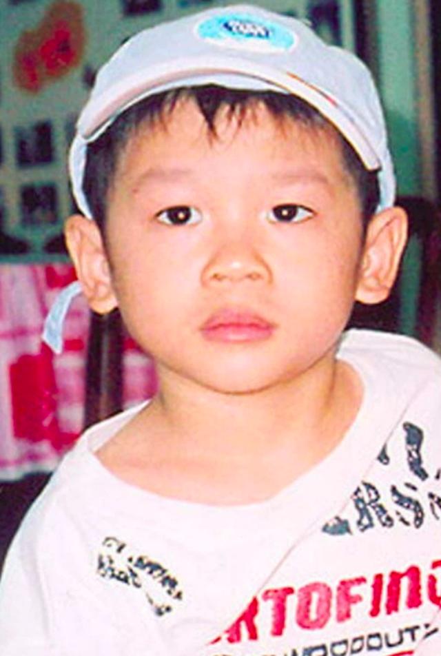 Cậu bé gốc Việt Pax Thiên sau 14 năm được ông bà Smith nhận nuôi - 1