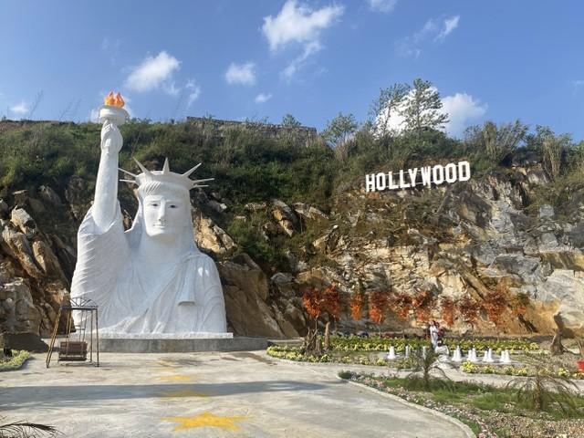 Điểm du lịch có tượng nữ thần tự do phiên bản lỗi bị tạm cấm đón khách - 3