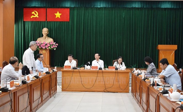 Buổi làm việc giữa đoàn Thành ủy TP HCM với lãnh đạo quận 9. Ảnh: Thành ủy TP HCM