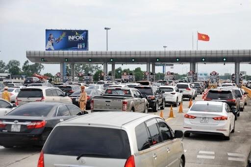 TP HCM sẽ xả trạm thu phí nếu xảy ra ùn tắc  giao thông trong dịp lễ 30/4 - 1/5