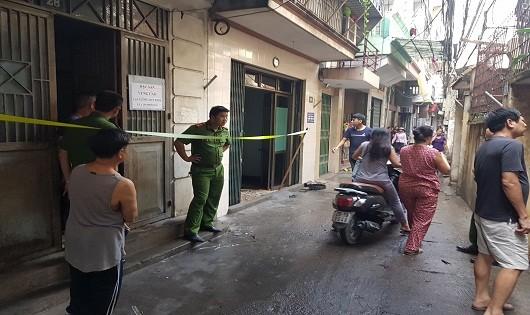 Hà Nội: Cháy nhà cao tầng đường Trần Khát Chân, hàng xóm 'vạ lây'