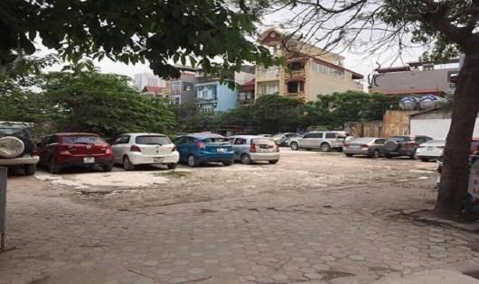 Một bãi trông xe trái phép đang hoạt động công khai tại phường Đại Kim.
