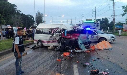 Ô tô đâm nhau tại Thái Lan khiến 2 người Việt Nam gặp nạn