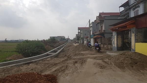 Dự án tại xã Thụy Hòa, huyện Yên Phong (tỉnh Bắc Ninh) đang thi công ngổn ngang.