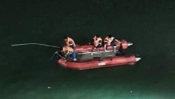 Đội cứu nạn cứu hộ Thái Nguyên tiến hành tìm kiếm thi thể nạn nhân
