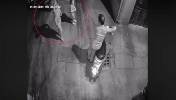 Tạm giữ nghi phạm sàm sỡ bé gái trong ngõ vắng Hà Nội