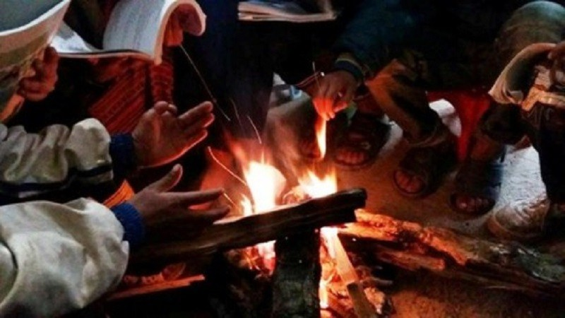 Mẹ chồng và con dâu bị ngộ độc khí CO sau khi đốt than củi sưởi ấm