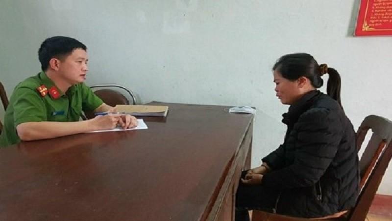 Nguyễn Thị Nga tại cơ quan công an.
