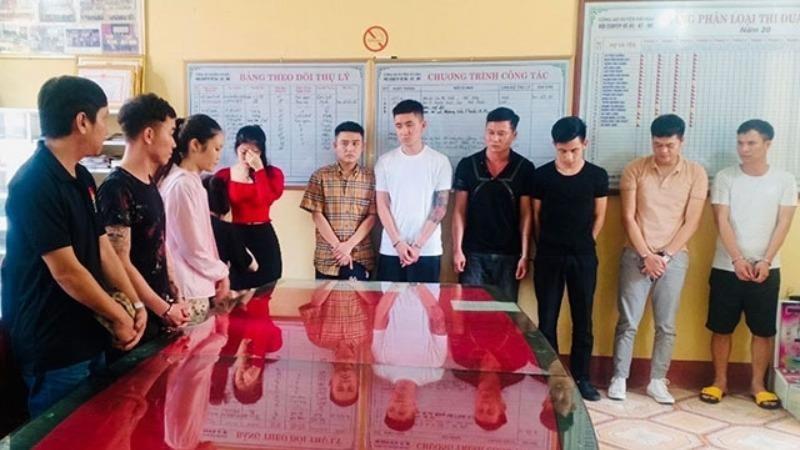 Bắt quả tang 13 thanh niên nam, nữ sử dụng ma túy trong quán karaoke tại Nam Định