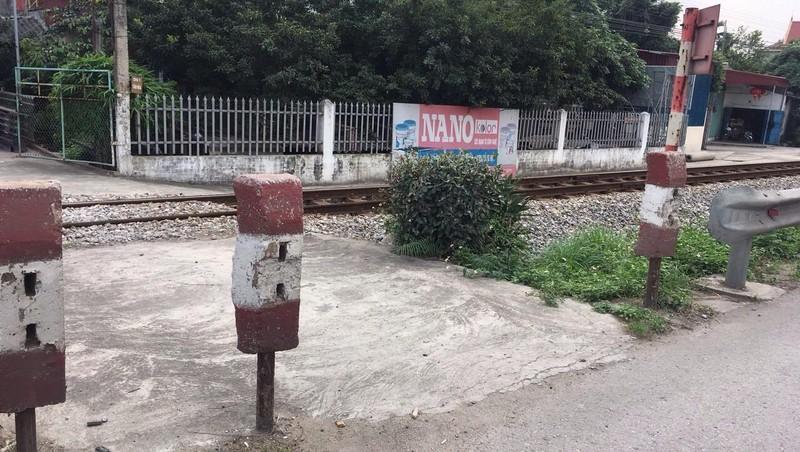 Hải Dương: Hiểm họa tai nạn giao thông từ những lối đi tự mở qua đường sắt