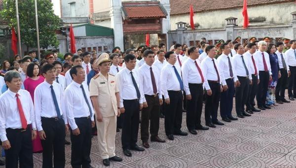 Tổ chức trọng thể lễ dâng hương, dâng hoa kỷ niệm 80 năm ngày thành lập Đảng bộ tỉnh Hải Dương