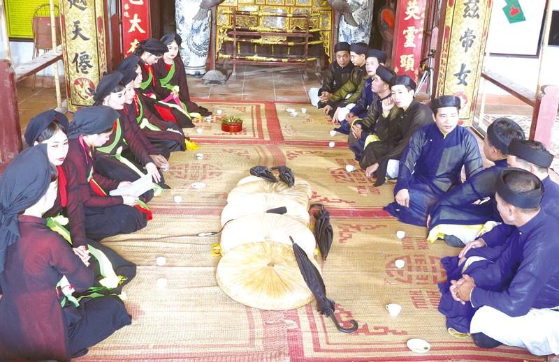 Độc đáo tục hát Quan họ trùm đầu ở làng Viêm Xá, Bắc Ninh