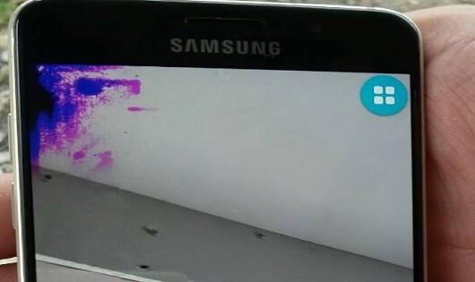 """Báo chí vào cuộc, Samsung """"vội vã"""" chăm sóc khách hàng"""