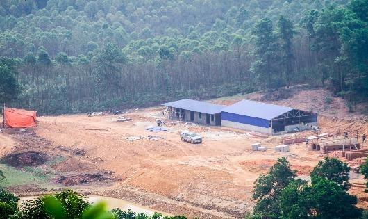 Công trường phá rừng phòng hộ trên núi Đá Bia, thôn Thanh Lộc, xã Ngọc Thanh - TX Phúc Yên