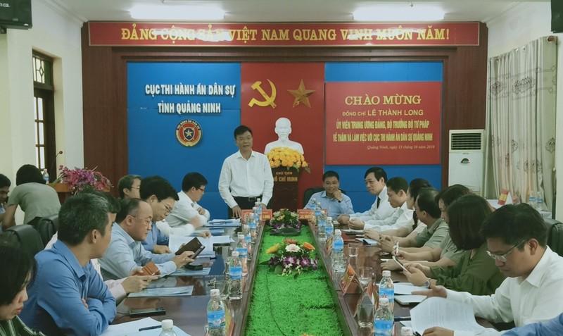 Bộ trưởng Bộ Tư pháp Lê Thành Long làm việc với Cục Thi hành án dân sự tỉnh Quảng Ninh.