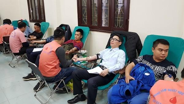 Phó Giám đốc Sở TT&TT tham gia hiến máu