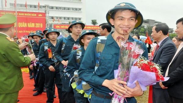 Thanh niên Quảng Ninh lên đường nhập ngũ