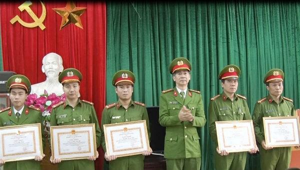 Hà Nam: Công an tỉnh khen thưởng đột xuất về thành tích phá án ma túy
