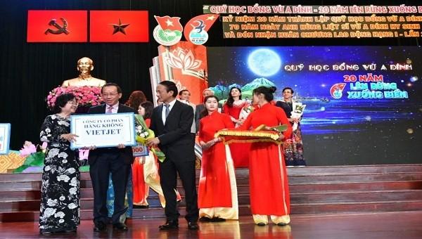 Vietjet được khen thưởng vì những đóng góp cho cộng đồng