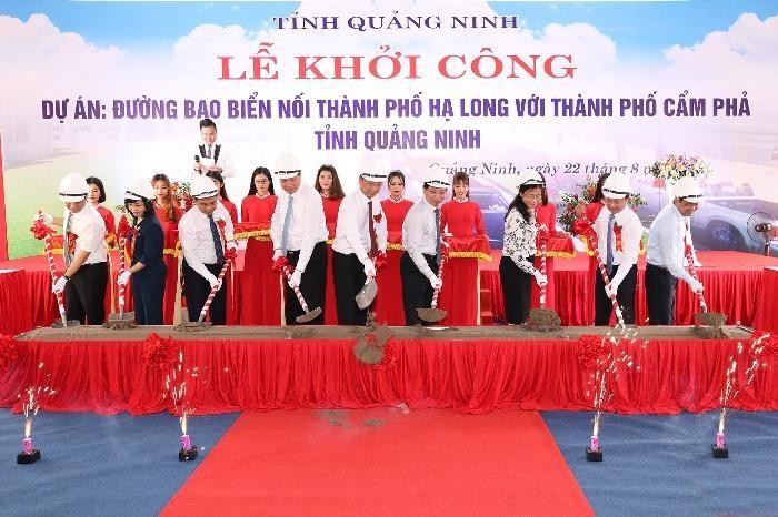 Các lãnh đạo tỉnh Quảng Ninh động thổ khởi công dự án đường bao biển nối thành phố Hạ Long và thành phố Cẩm Phả