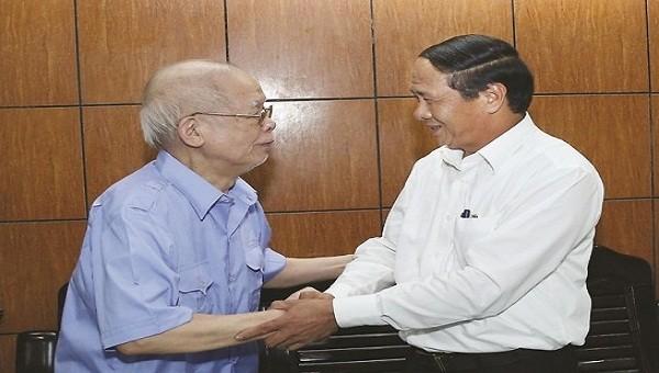 Bí thư Thành ủy Lê Văn Thành thăm hỏi người có công