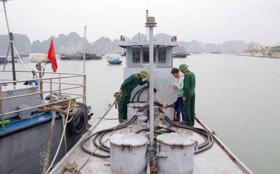 Bắt giữ tàu chở 3.000 lít dầu DO không rõ nguồn gốc