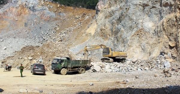Lực lượng Công an tỉnh Quảng Ninh kiểm tra điểm khai thác đá tại TP Uông Bí