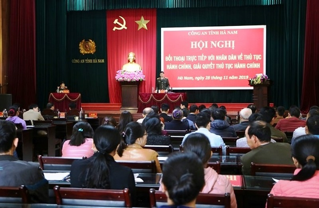 Công an tỉnh Hà Nam đối thoại với người dân về thủ tục hành chính