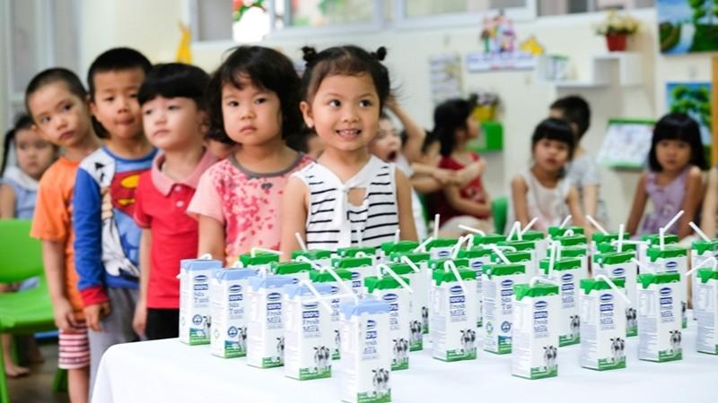 Tham gia uống sữa học đường, trẻ mầm non tại Đà Nẵng có thêm cơ hội được giáo dục các kỹ năng sống