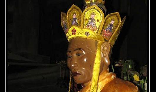 Truyền tích Thiền sư hóa thân đầu thai thành vua
