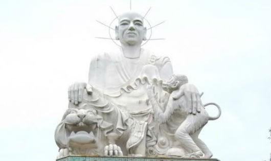 Thiền sư giúp vua giành đại nghiệp, rồi như sương, như cỏ về Trời