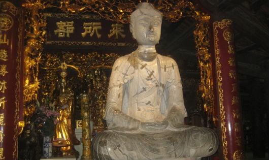 Bức tượng Phật bằng đá lớn và nguyên vẹn nhất thời Lý