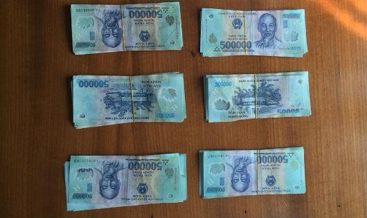 Tang vật vụ trộm tiền