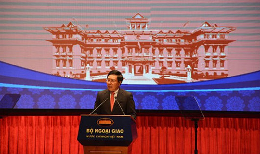Phó Thủ tướng, Bộ trưởng Bộ Ngoại giao Phạm Bình Minh phát biểu tại Hội  nghị