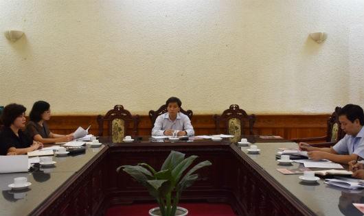 Thứ trưởng Nguyễn Khánh Ngọc chủ trì cuộc họp.