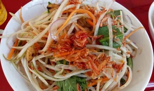 Đu đủ đâm – nét đặc trưng văn hóa ẩm thực Khmer vùng Bảy Núi.