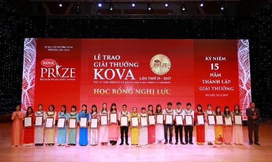 Giải thưởng KOVA đã giúp đỡ cho nhiều sinh viên nghèo vượt khó