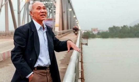 Anh hùng Nguyễn Đăng Chế bên bến phà năm xưa.