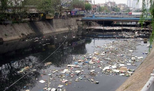 Vấn đề ô nhiễm các dòng sông có ảnh hưởng rất lớn đến đời sống của người dân chưa được quan tâm nhiều.
