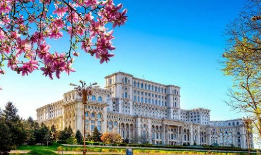 Cung Nghị viện Rumani